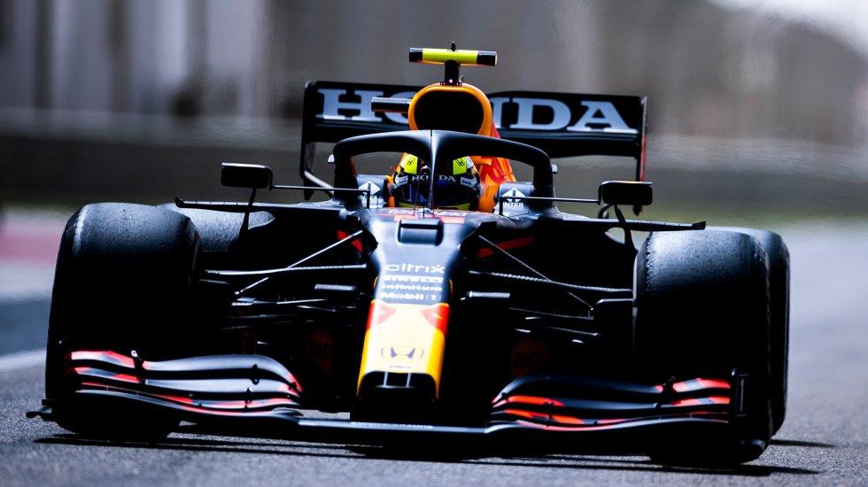 'Checo' Pérez marca el mejor tiempo en la última mañana de pruebas en Baréin - 'Checo' Pérez en monoplaza de Honda. Foto de @redbullracing