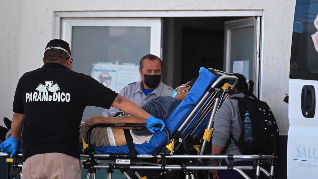 México registró en las últimas 24 horas 5 mil 722 casos positivos y 613 muertes por COVID-19 - Contagios de COVID-19 en México. Foto de EFE