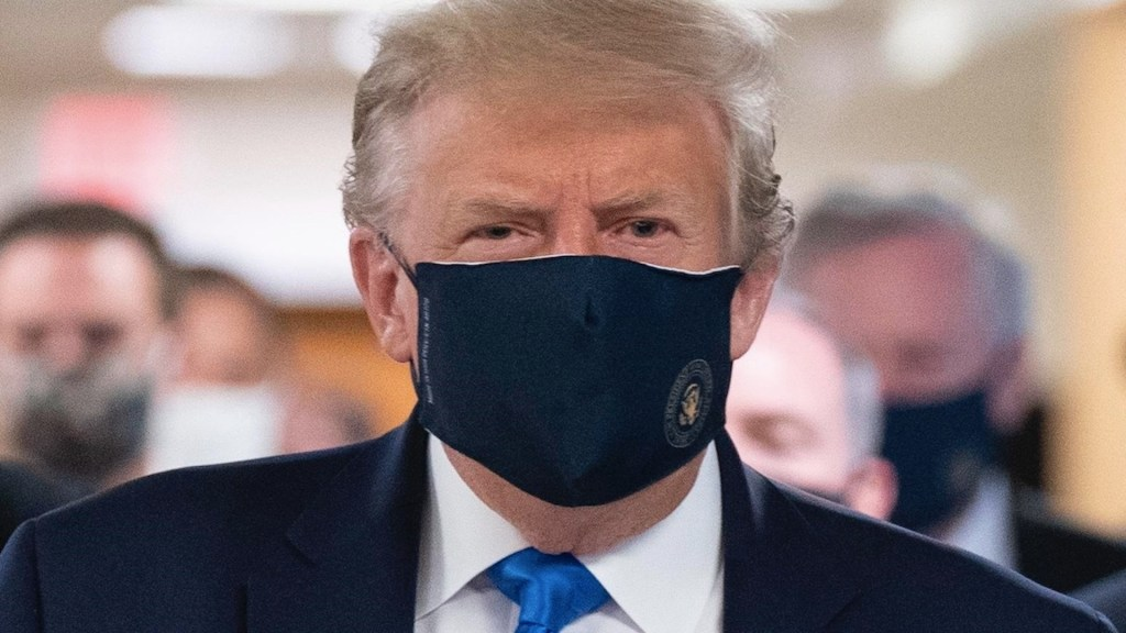 Trump recomienda a sus votantes que se vacunen contra COVID-19 - Foto de EFE