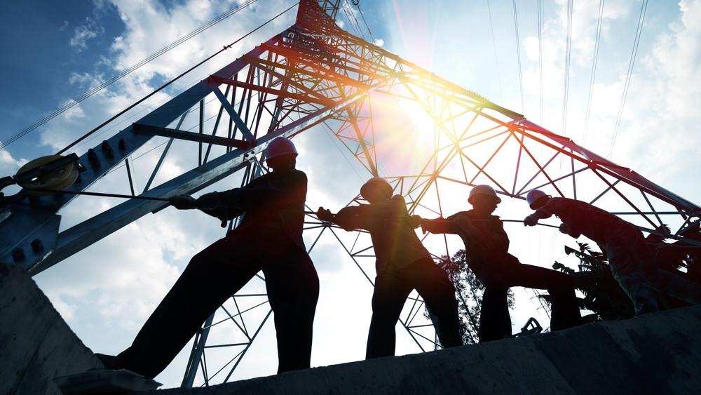 Celebra AMLO aprobación de reforma a la Ley Eléctrica; va a ayudar a fortalecer a la CFE, asegura - electricidad luz sector electrico Cofece CFE industria eléctrica