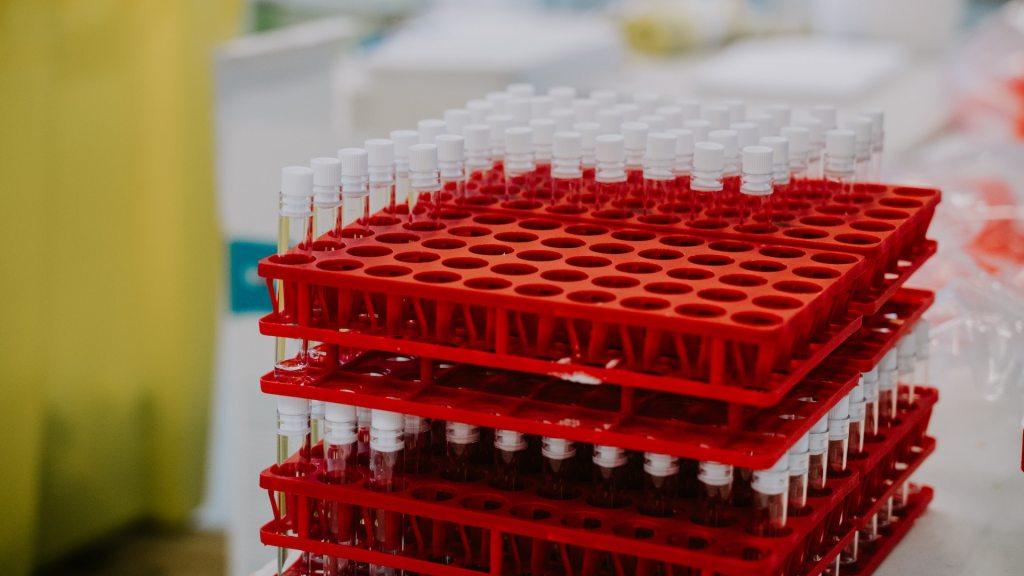 La escasez de vacunas, por el embajador Juan Ramón De la Fuente - Vacunas COVID-19. Foto deMat Napo/ Unsplash.
