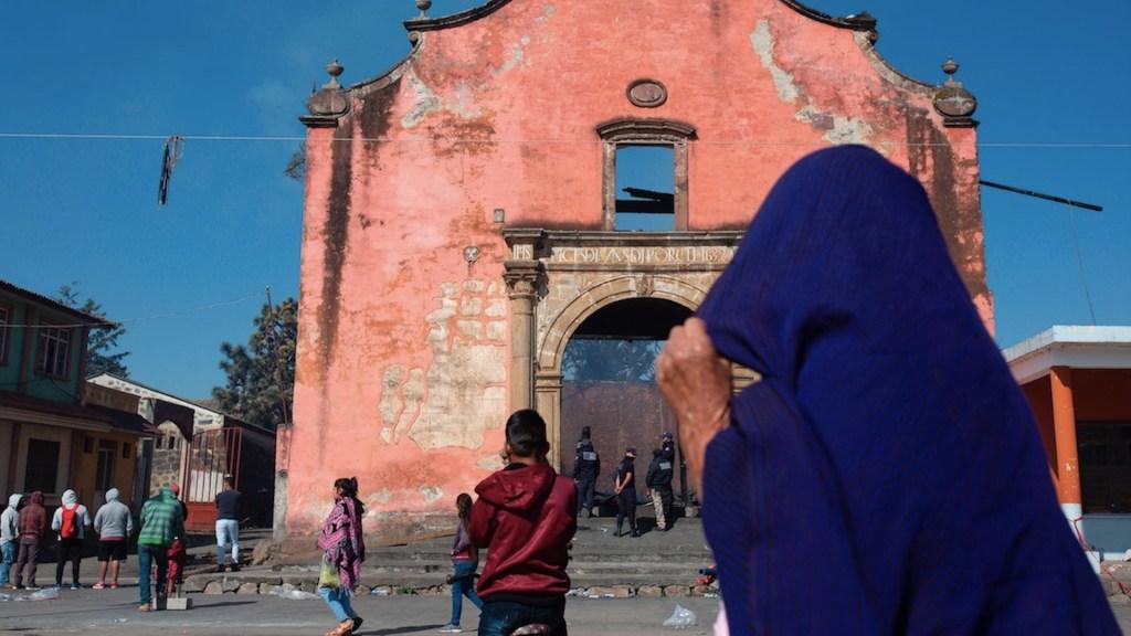 FGR inicia investigación por incendio de capilla de Santiago Apóstol en Paracho, Michoacán - Foto de EFE