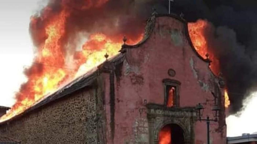 #Video Incendio consume la 'Capilla Sixtina' mexicana, ubicada en Michoacán - Incendio de la Iglesia de Santiago Apóstol en Paracho, Michoacán. Foto de @observatoriomorelia