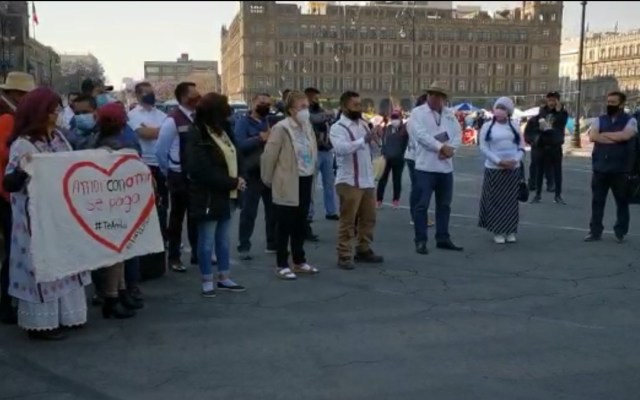 #Video Protestan en el Zócalo contra candidatura de Mónica Rangel en SLP - Manifestación contra presunta imposición de Mónica Rangel como candidata a gubernatura de SLP. Captura de pantalla