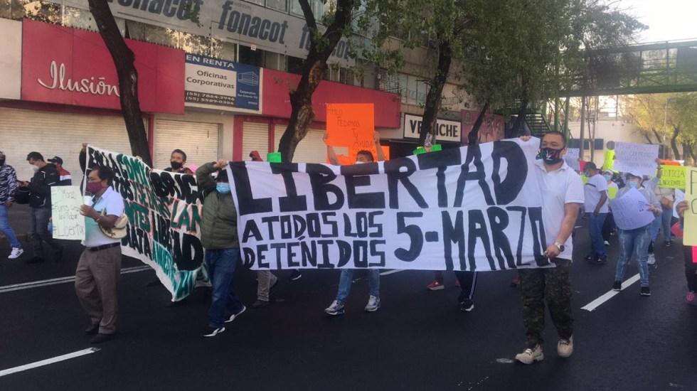 Liberan a 86 motociclistas detenidos en Tepito - Manifestación en exigencia de liberación de motociclistas detenidos en CDMX. Foto de @Armando_Mtz_A7