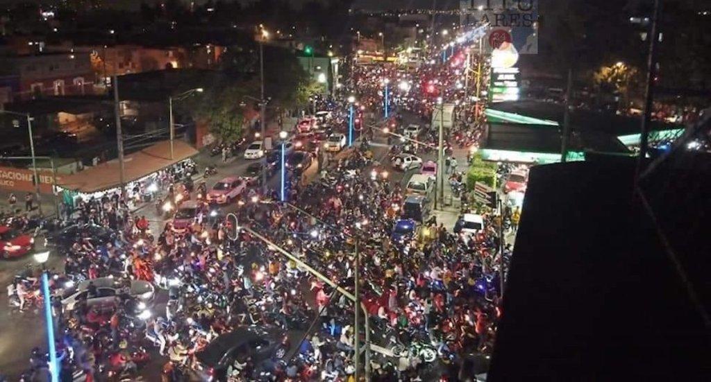 Al corralón, 55 motocicletas tras rodada en Tepito; conductores iban armados - Foto de @Titulares24hrs