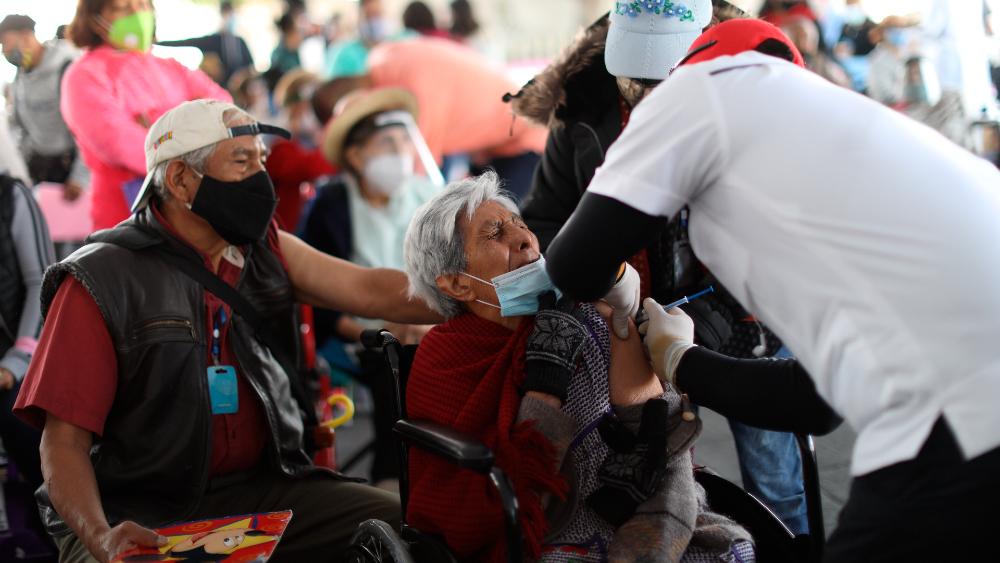Préstamo de EE.UU. inyecta velocidad a la rezagada vacunación de México - Foto de EFE
