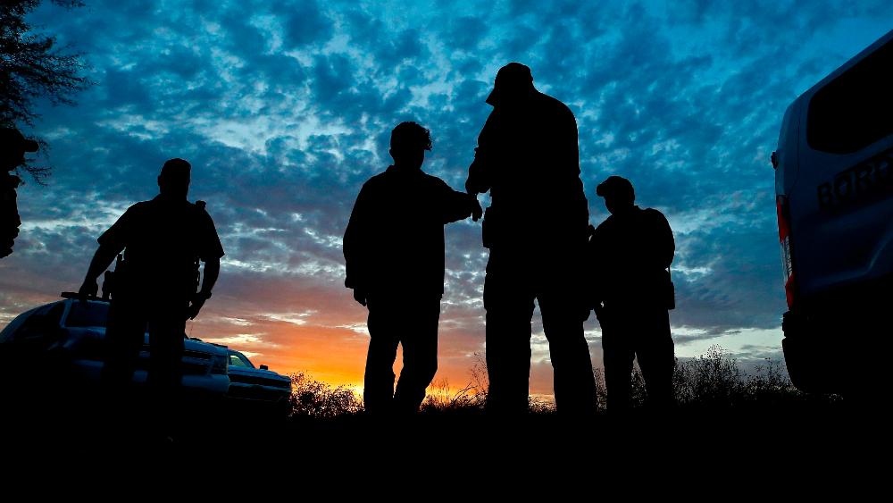 Gobierno de EE.UU. pide apoyo a FEMA para albergar a niños que llegan solos a la frontera sur - Foto de EFE