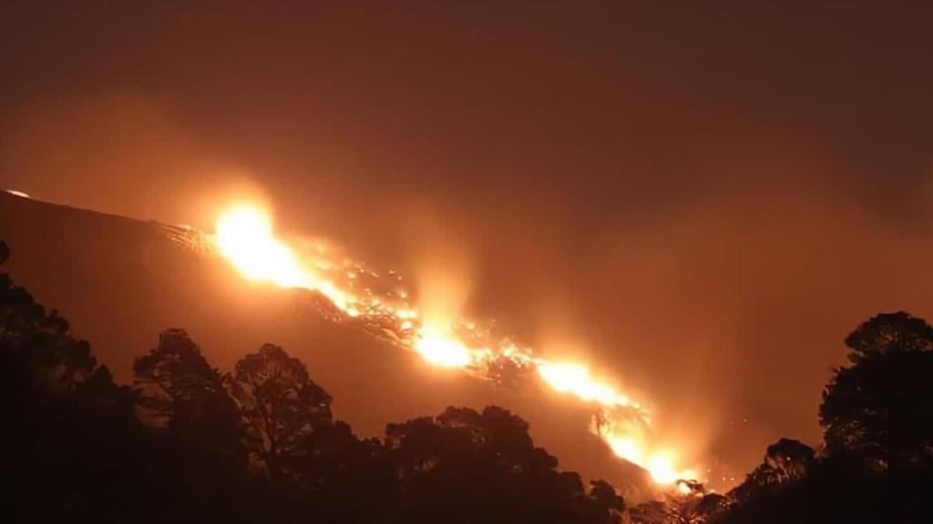 #Video Fuego se extiende por la Sierra de Santiago; desalojan a 800 personas - Nuevo León incendios