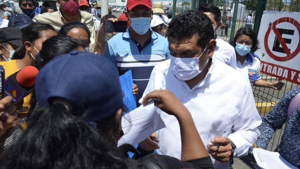 #Video Damnificados por inundaciones en Tabasco reclaman a Javier May, secretario del Bienestar - Javier May
