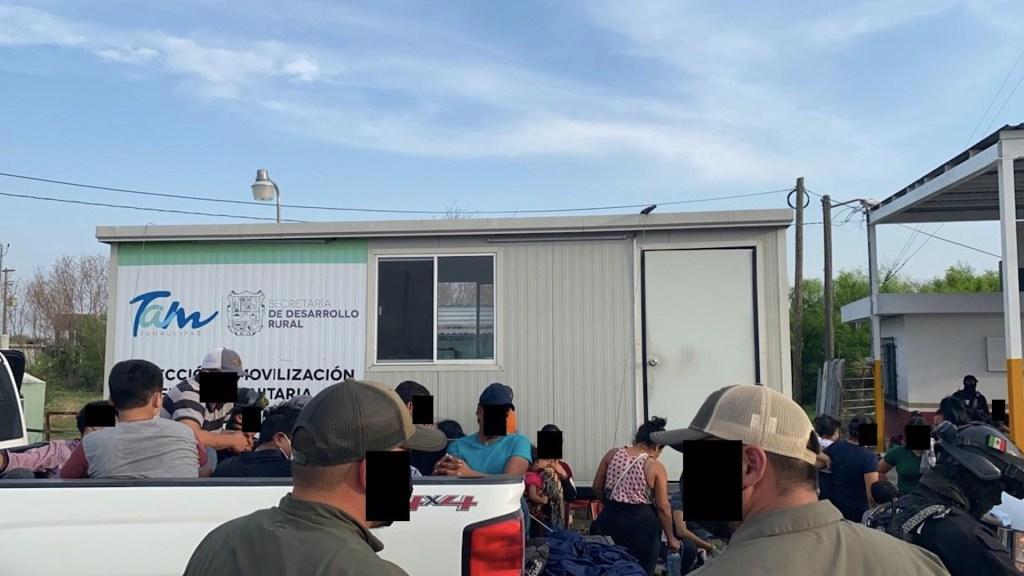 Rescatan a 165 migrantes indocumentados en los últimos 50 días en Tamaulipas - Rescate de migrantes en Tamaulipas. Foto de Secretaría de Seguridad Pública de Tamaulipas