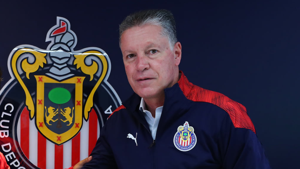 """Mi renuncia está permanente en la mesa de Vergara"", asegura Ricardo Peláez - Foto de Chivas"