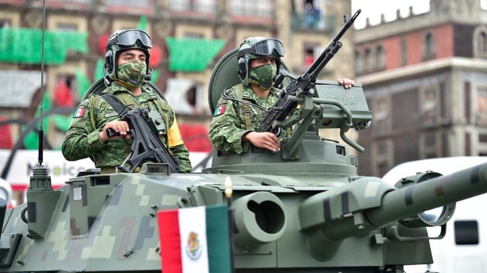 Primer informe 2021 de López Obrador y el reconocimiento al Ejército - Soldados del Ejército durante conmemoración en el Zócalo de la Independencia de México. Foto de Sedena