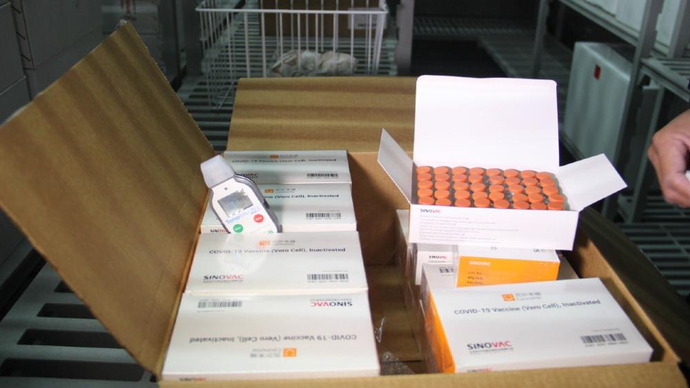 Chile dona 20 mil dosis de vacunas contra el coronavirus a Ecuador - Foto de @Lenin