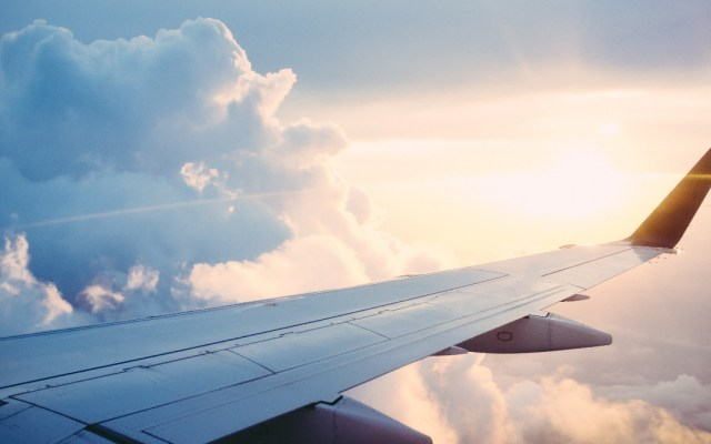 Niega SCT incidente por rediseño del espacio aéreo en el Valle de México - Avión vuelo