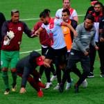 #Video Gresca y heridos durante partido de futbol en Bolivia