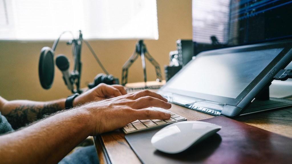 Inseparables: la computadora y el ratón cumplen 40 años juntos - computadora y ratón