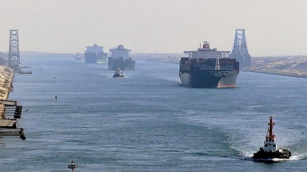 Susto momentáneo en canal de Suez por fallo en el motor de petrolero - Canal de Suez trafico