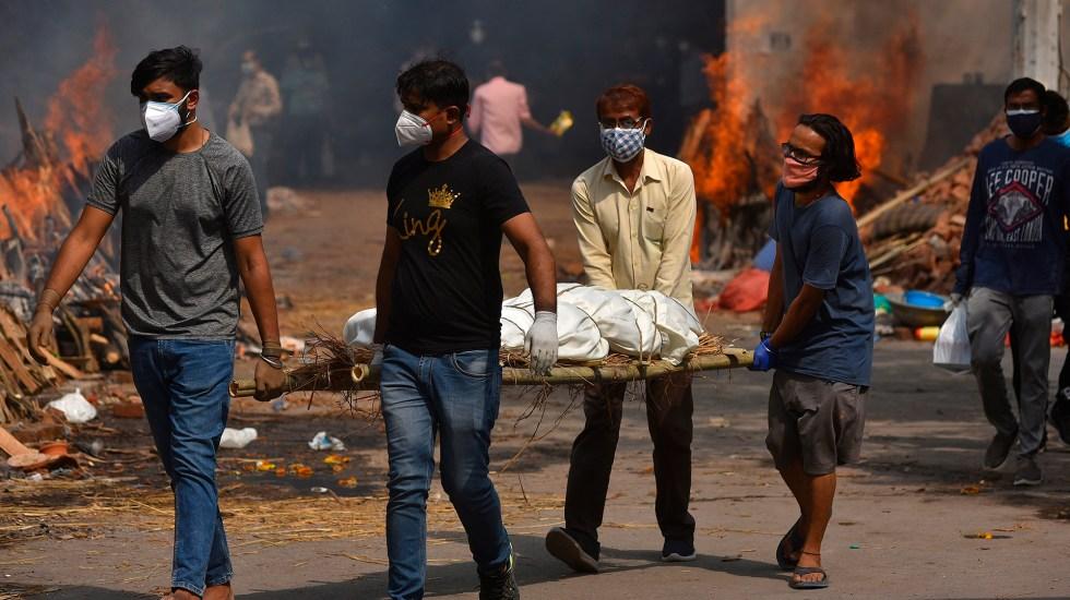 Estados Unidos restringirá viajes procedentes de India por crisis de COVID-19 - Crisis de COVID-19 en Nueva Delhi, India. Foto de EFE