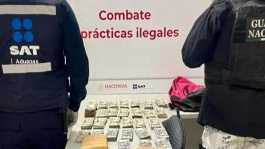 Decomisan en aduana de Tijuana más de 3.9 mdp en dólares - Decomiso de dólares en aduana de Tijuana. Foto de @SATMX