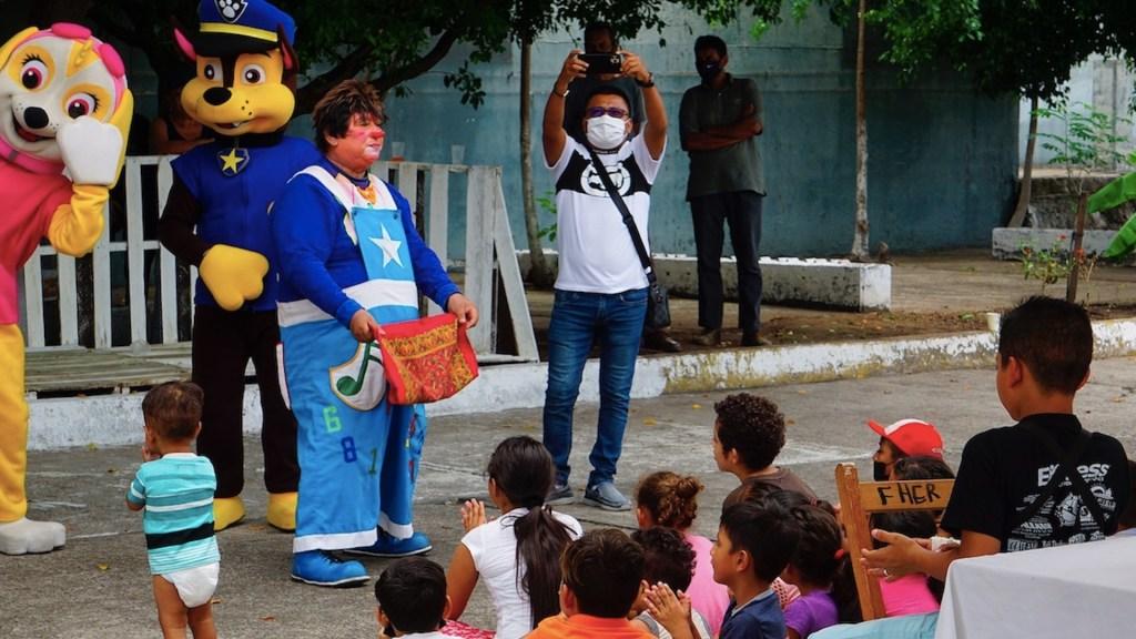 Celebran en Tapachula el Día del Niño para menores migrantes - Festejo del Día del Niño para menores migrantes. Foto de EFE