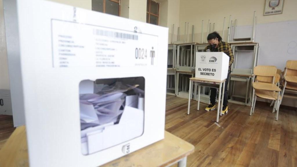 """Elecciones en Ecuador se cerraron en """"absoluta paz"""": presidenta del CNE - Elecciones en Ecuador"""