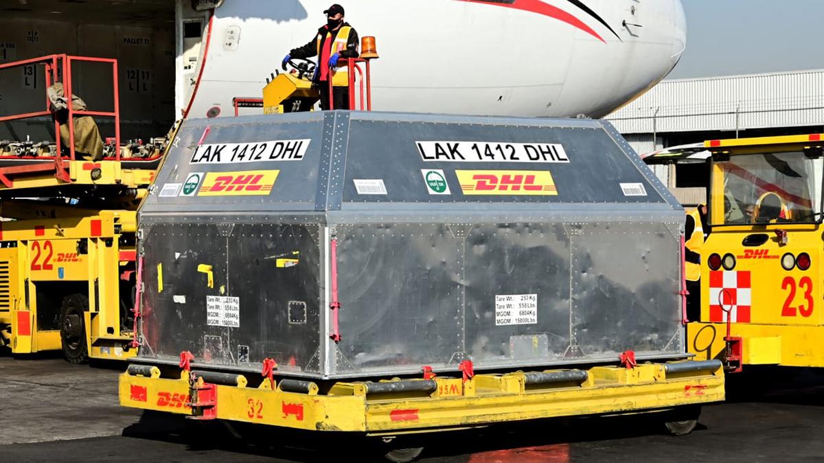 Embarque de vacunas contra COVID-19 de Pfizer llegado a México