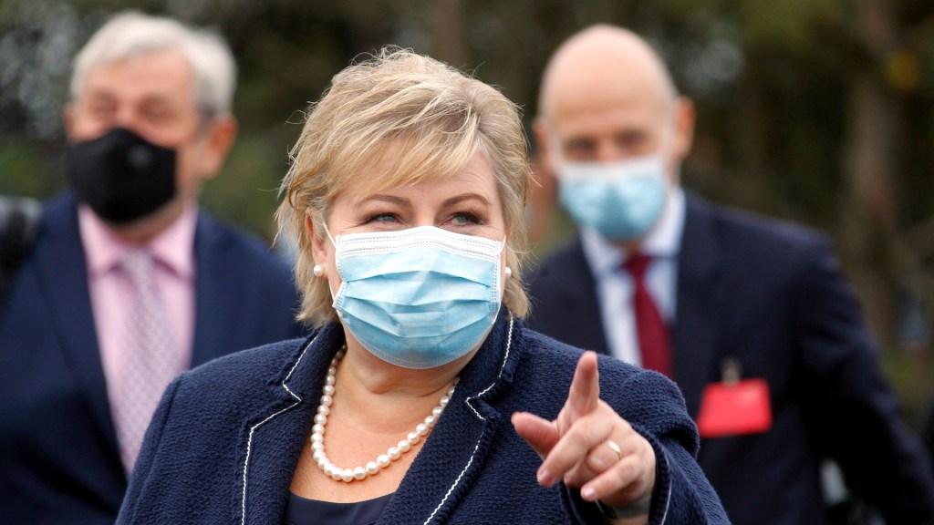 Multan a la primera ministra de Noruega por violar restricciones contra COVID-19 - La primera ministra de Noruega, Erna Solberg. Foto de EFE