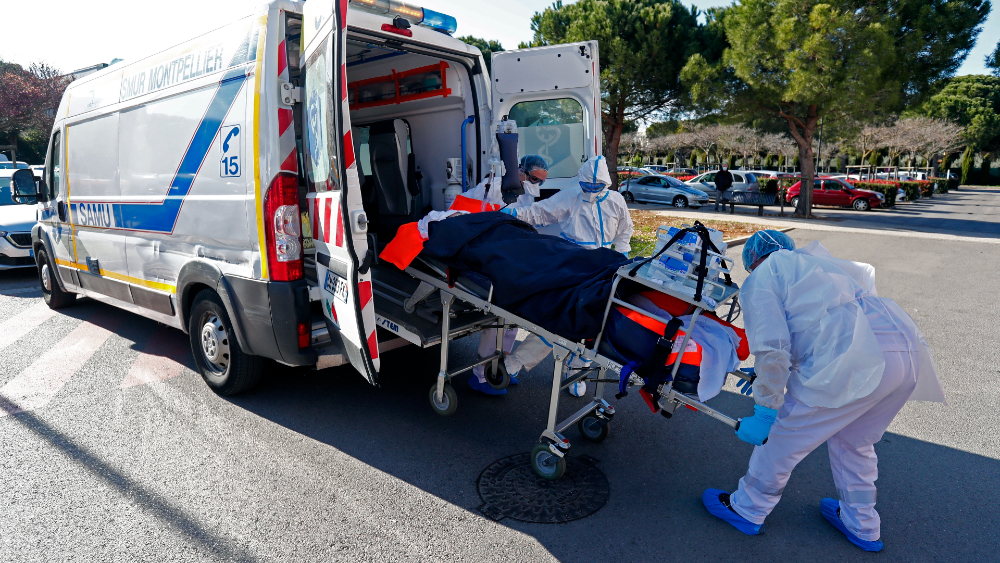 Francia pasa barrera de 100 mil muertos sin vislumbrar el final del túnel - Francia coronavirus covid19