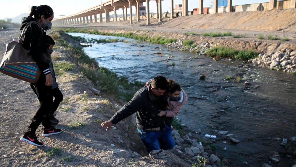 frontera Mexico EEUU migrantes Rio Bravo migratorias reunión