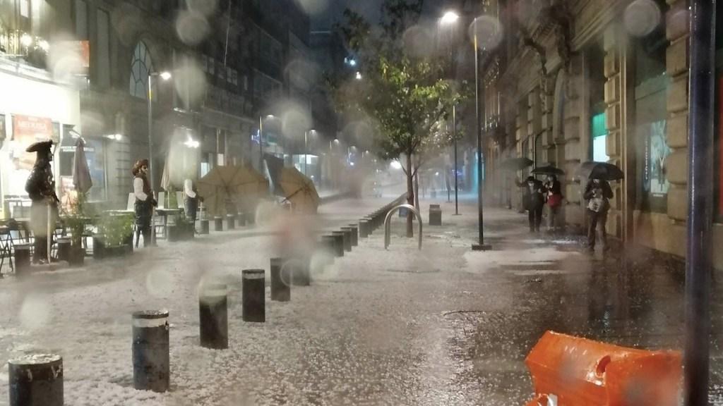 Existen condiciones para que se repita tormenta del miércoles en la Ciudad de México - Fuerte granizada en la Ciudad de México. Foto de @dalonsosilva