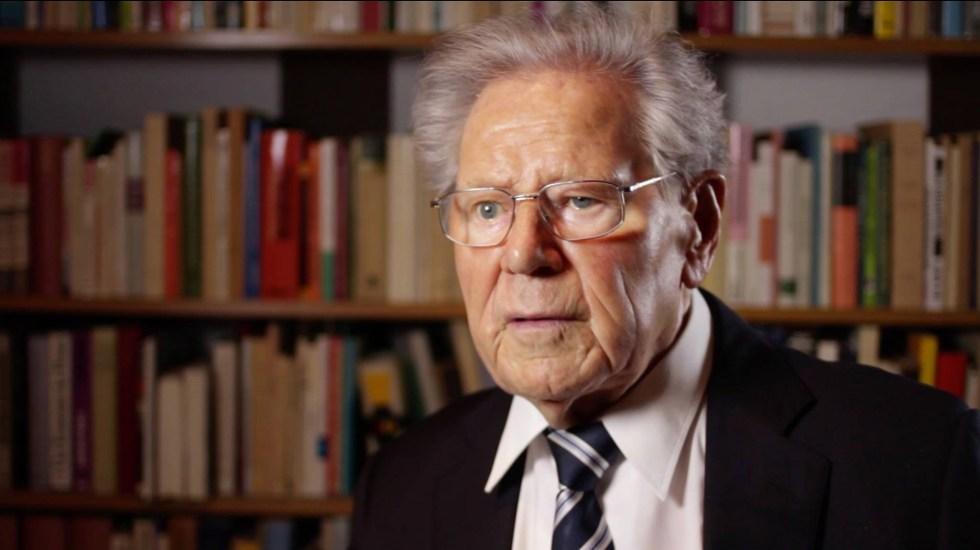 Murió el teólogo suizo Hans Küng, quien negó la infalibilidad del papa - Hans Küng. Foto de @stiftungweltethos