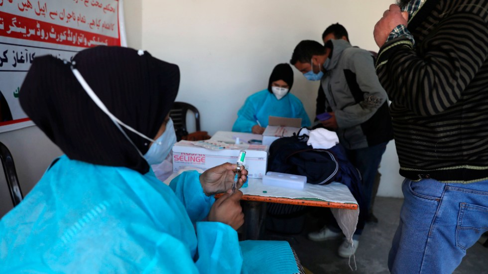 López Obrador se solidariza con India y cede vacunas contratadas - India coronavirus covid19