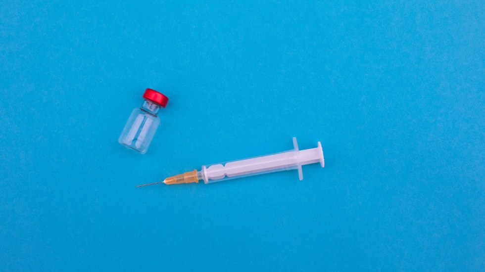 Detienen a dos enfermeras en Bolivia por la desaparición de vacunas - vacuna
