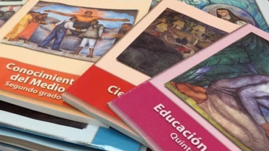 Arquidiócesis advierte posible adoctrinamiento del Estado por modificación de libros de texto gratuitos - Libros de texto gratuitos. Foto de Desde la Fe