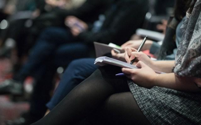 Unesco denuncia que 73 % de las periodistas recibe acoso en línea - periodistas periodismo