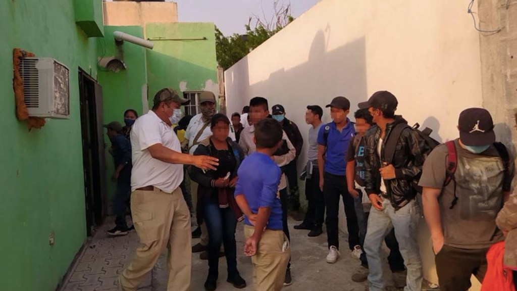 Rescatan a 17 migrantes en Reynosa, Tamaulipas - Rescatan a 17 migrantes en Reynosa. Foto de Fiscalía Tamaulipas