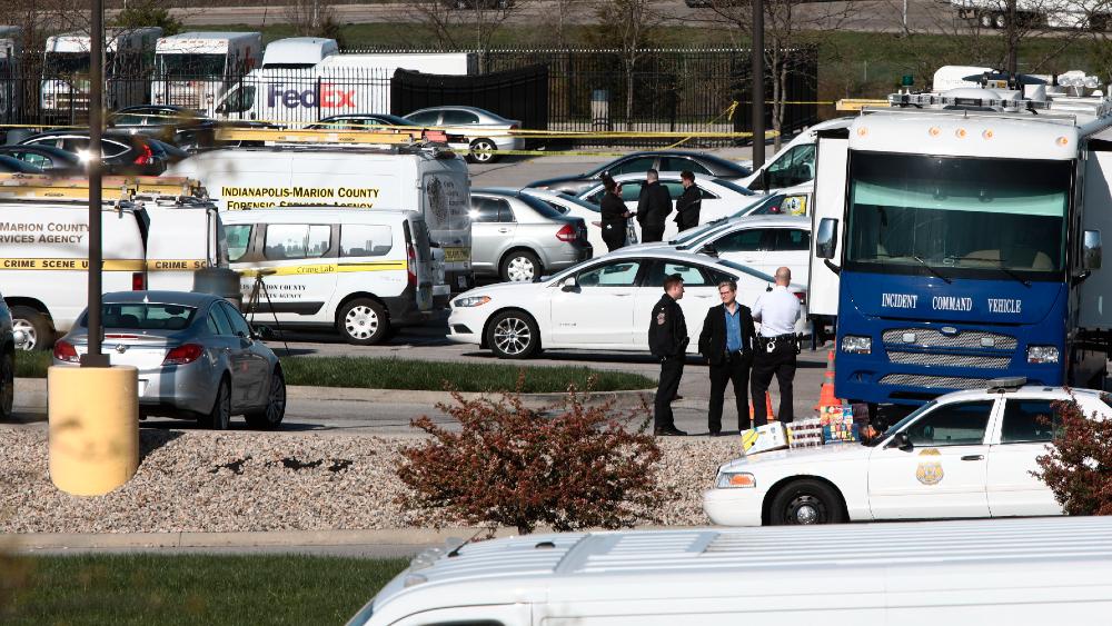 Autor de tiroteo en Indianápolis usó rifle automático, asegura testigo - tiroteo Indiana Fedex EEUU