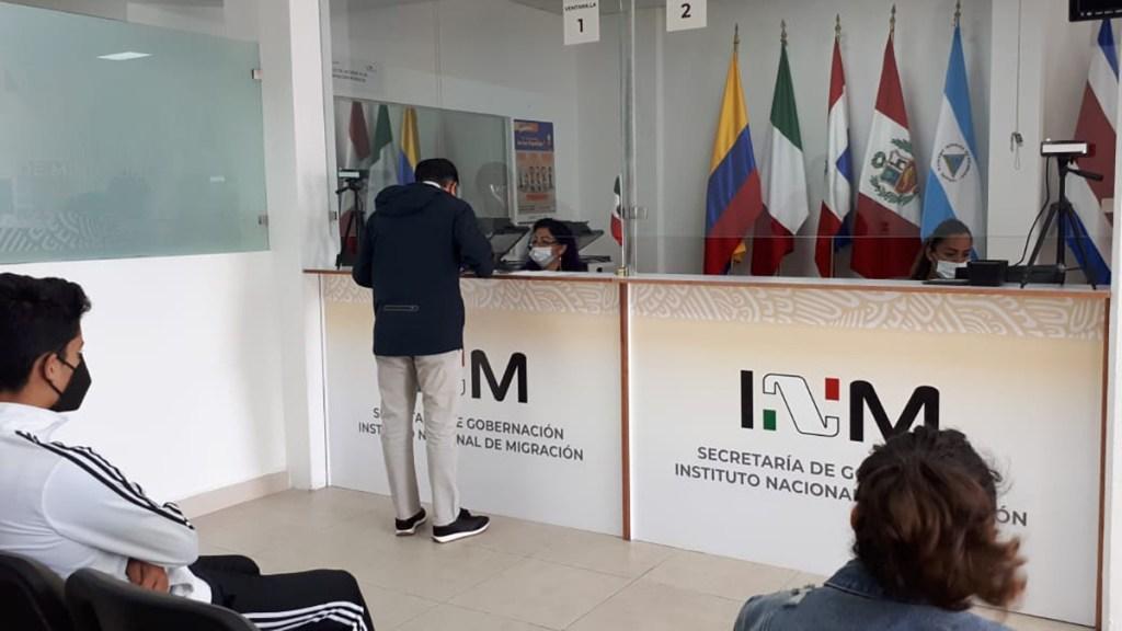 Acnur ayudará a México a ampliar capacidad para tramitar solicitudes de asilo - Trámites en oficinas del Instituto Nacional de Migración. Foto de @InamiMX