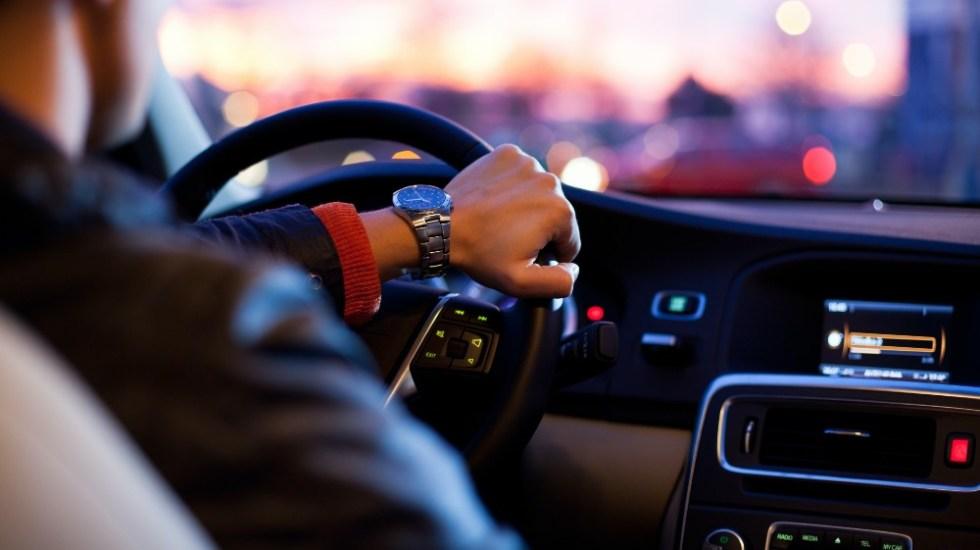 OMS pide generalizar a menos de 30 km/h velocidad de autos en ciudades - auto manejo velocidad