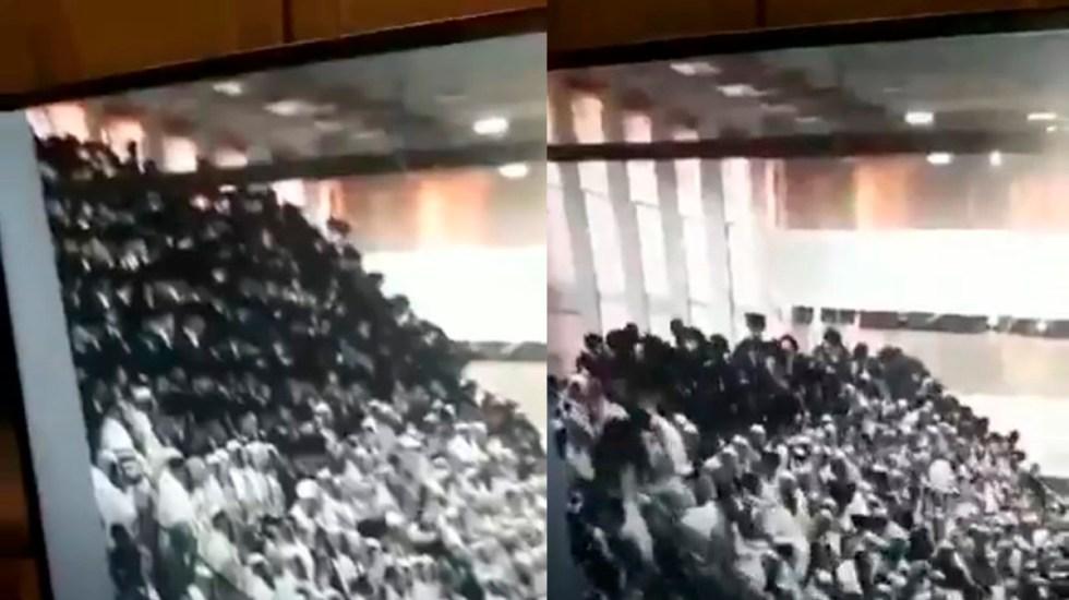 #Video Colapsan gradas de sinagoga en Cisjordania; hay 2 muertos - Caída de gradas en sinagoga. Captura de pantalla
