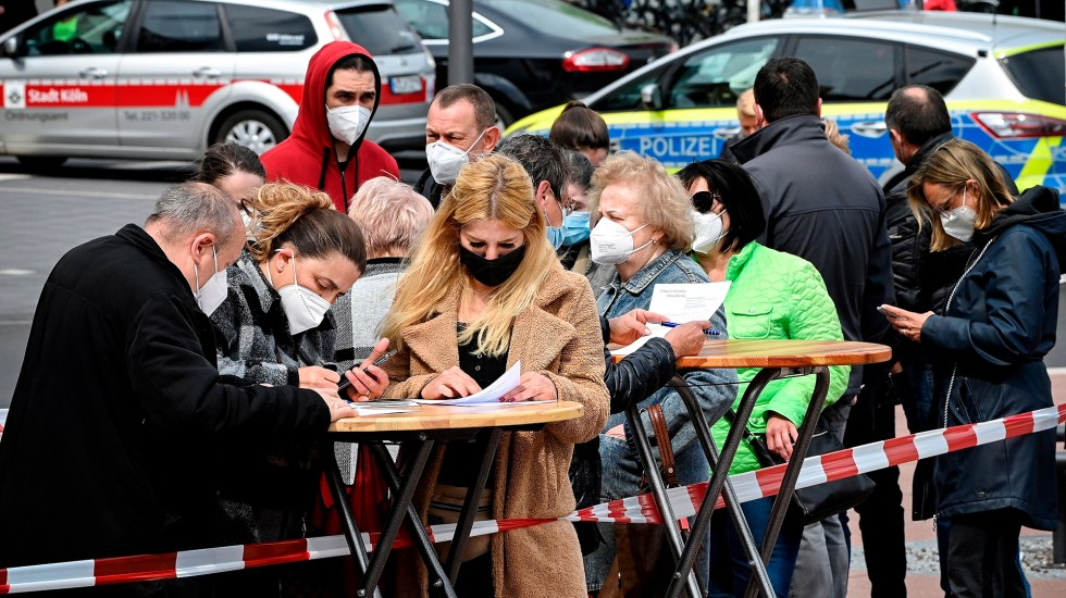 OMS y Alemania crean Centro de Inteligencia para combatir futuras pandemias - Centro de vacunación móvil en Alemania. Foto de EFE