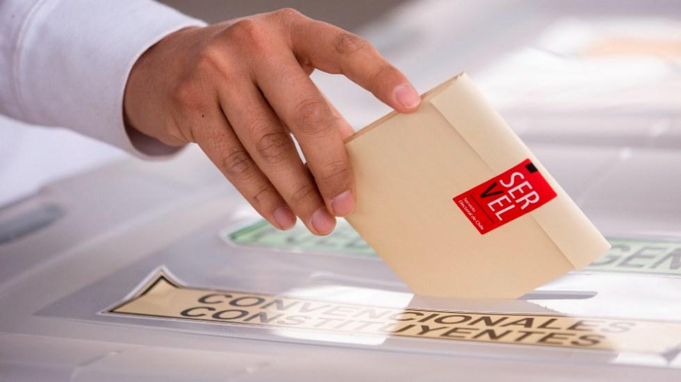 Chile afronta elecciones con más casos de COVID-19 de los previstos - Chile elecciones