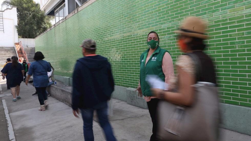Ciudad de México seguirá en Semáforo Amarillo, a dos puntos del Semáforo Verde - Foto de EFE/ Sáshenka Gutiérrez.