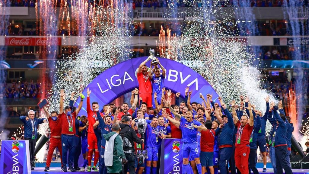 #Videos Cruz Azul hace historia y es el campeón del Guard1anes 2021 - Cruz Azul México partido Guard1anes 2021 7