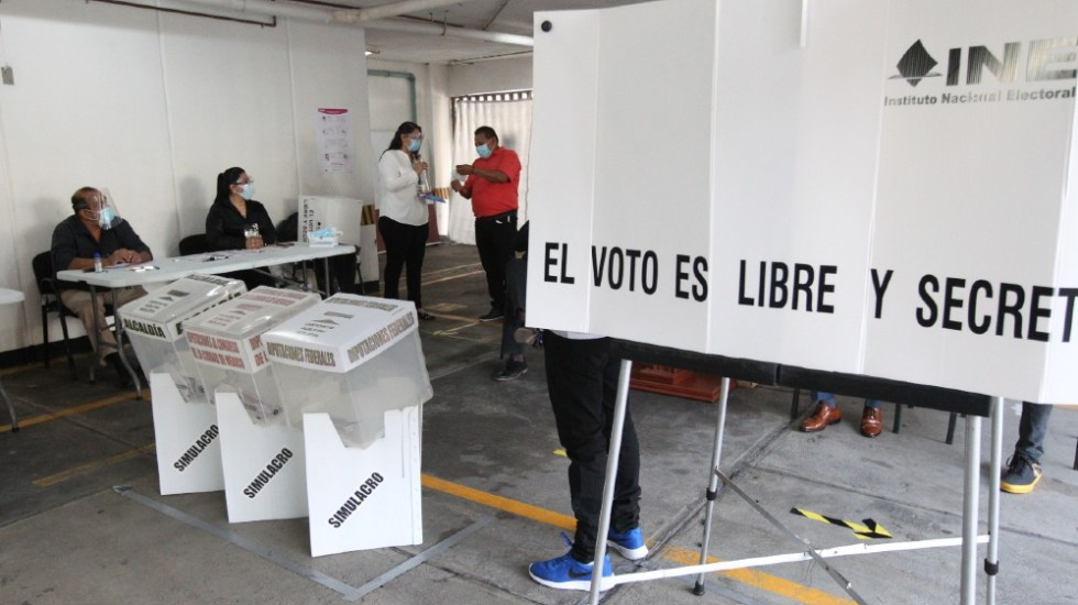 """López Obrador llama a mexicanos a votar """"libres y sin miedo"""" - elecciones simulacro INE 2021 mexicanos"""
