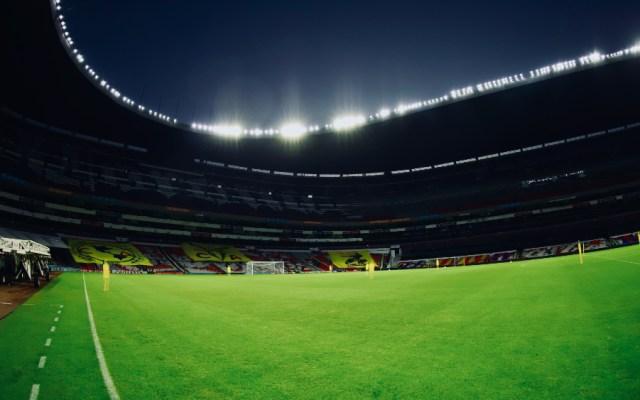 FIFA sanciona a México con partido a puerta cerrada por grito homofóbico - Estadio Azteca aficionados rifa