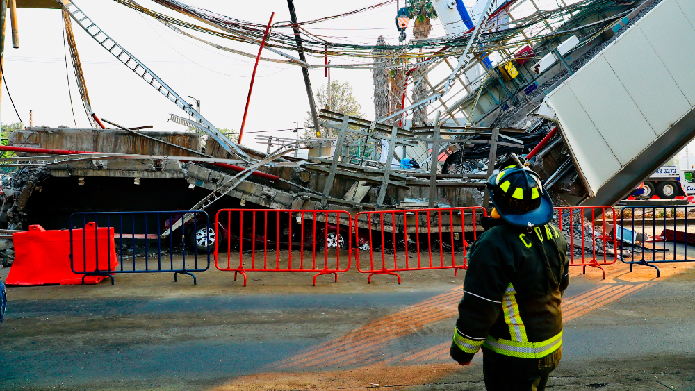 Colapso en L12 del Metro fue por falla estructural: primeros resultados de peritaje - Colapso de la Línea 12 del Metro. Foto de EFE