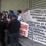 Ex servidores de la Nación se manifiestan por despido injustificado de la Secretaría de Bienestar