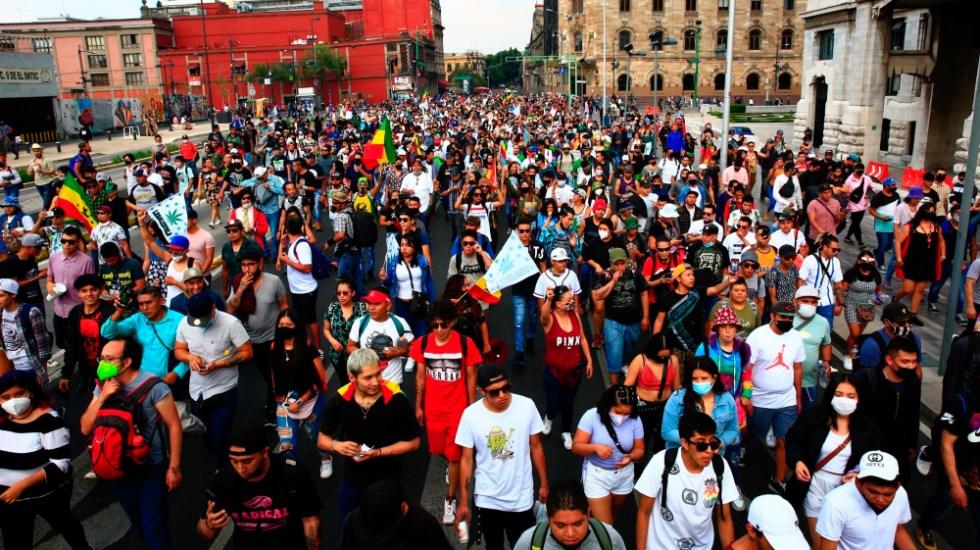 Marchan en Ciudad de México a favor de legislar la mariguana en el país - marcha mariguana CDMX